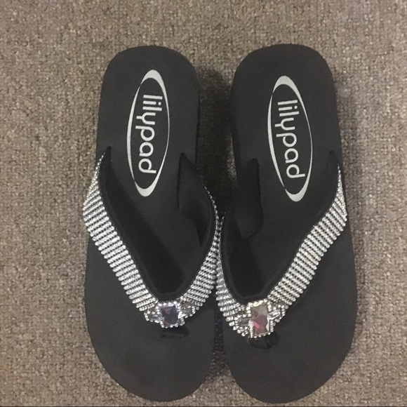 95720d119f3b1f lily Pad Shoes - Lily pads flip flops